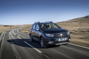 Dacia adds SCe 75 Petrol and Blue dCi 95 Diesel Engines to Sandero Stepway Range