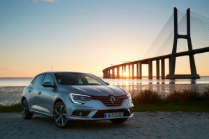 New Energy TCe 165 engine mated to seven-speed EDC transmission joins Mégane Hatchback and Mégane Estate catalogues