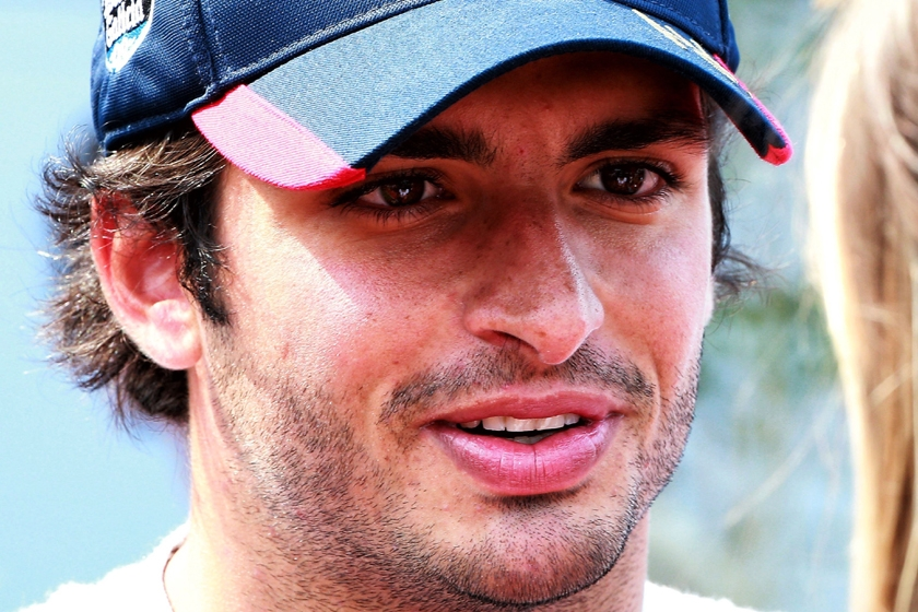 Carlos Sainz joins Renault Sport Formula One Team for 2018