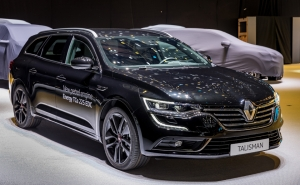 Renault Talisman is playing tough with the limited version S-Edition, more sporty and powerful than ever.