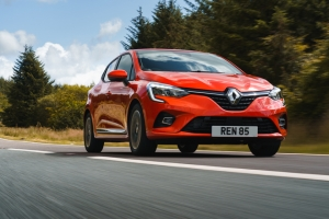 Renault celebrates Award Win with Customer Offers across Model Range