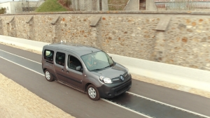 Renault Kangoo Z.E.: a future of never plugging in electric vehicles?