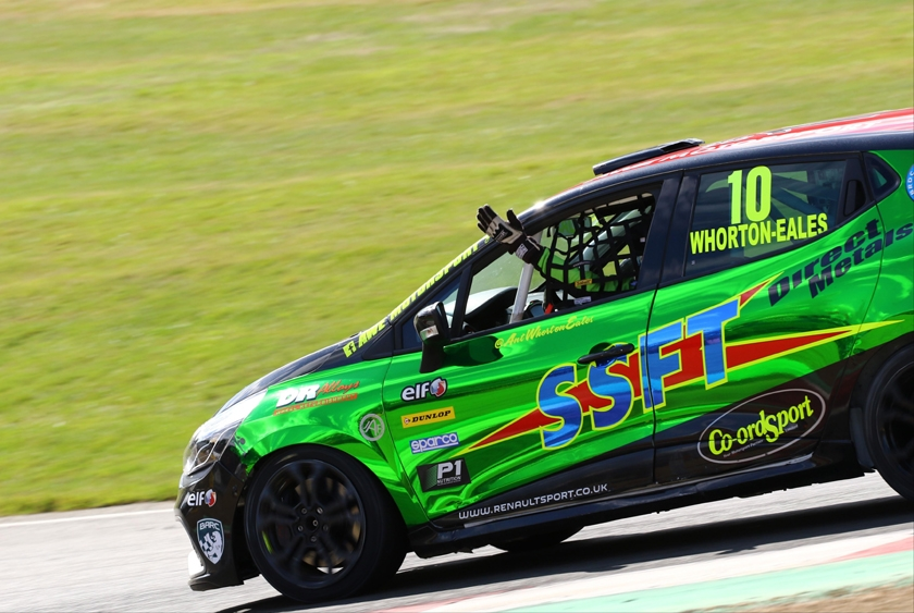 British Touring Car deal for 2016 Renault UK Clio Cup Champion Whorton-Eales