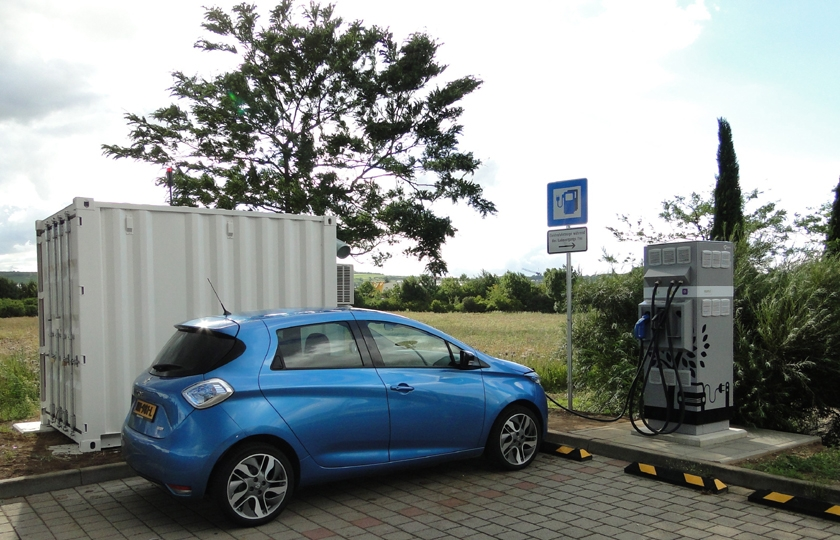 Electric vehicle charging on highways with second-life batteries