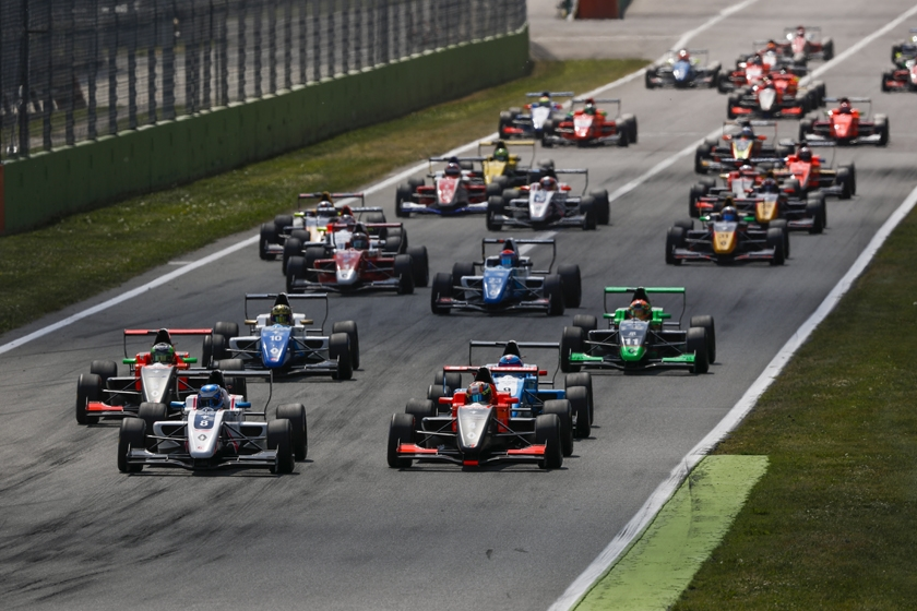 The pace will accelerate at Monza for the Formula Renault Eurocup!