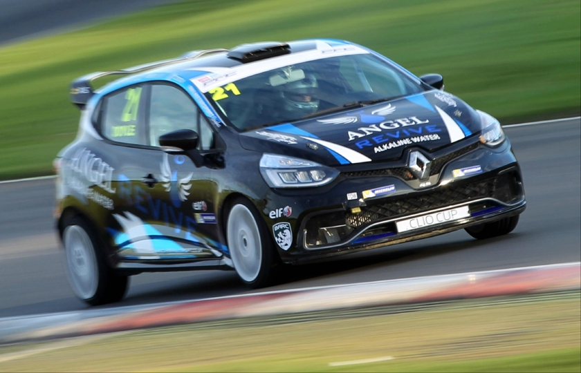 Lancashire's Louis Doyle re-signs with JamSport team for 2018 Renault UK Clio Cup Junior championship