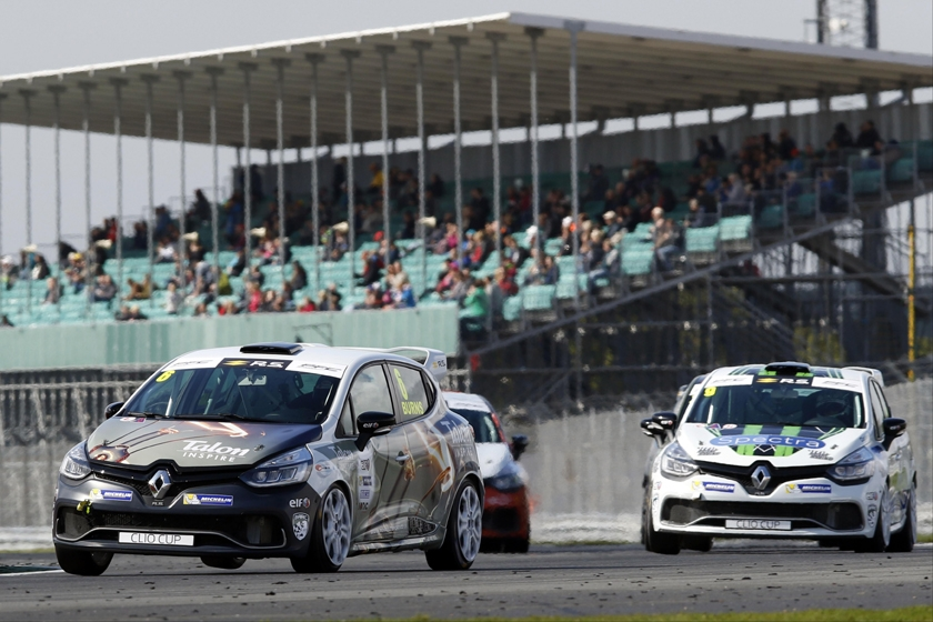 Surrey teen sensation Bradley Burns stays with title-winning Pyro squad for 2018 Renault UK Clio Cup