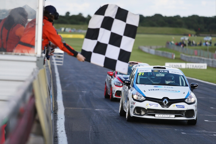 Second Renault UK Clio Cup title in sight for Mike Bushell after double victory at Snetterton
