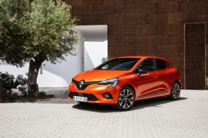 At the wheel of the All-new Renault Clio: renewed comfort and enjoyment