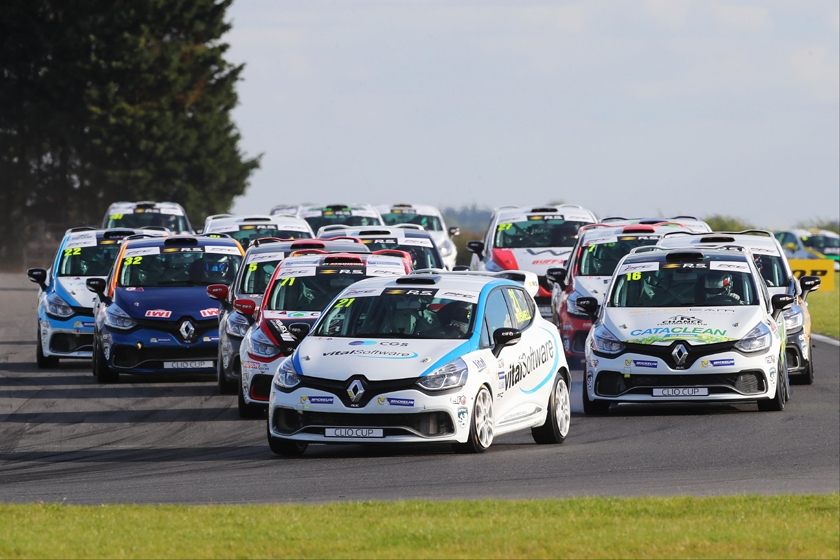 Farnham's Bradley Burns to make Renault UK Clio Cup debut less than a month after 16th birthday