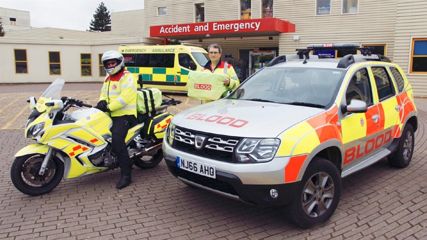 Dacia Duster 4x4 on Front Line with Emergency Rider Volunteers