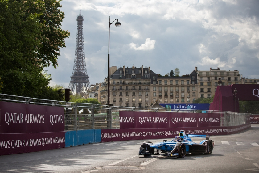 The Renault e.dams drivers in the heat of battle on the Invalides circuit!